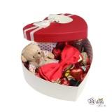 ست کادویی پاپیون قرمز براق لبه فلزی به همراه جعبه قلبی