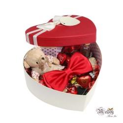 ست کادویی پاپیون قرمز براق به همراه جعبه قلبی