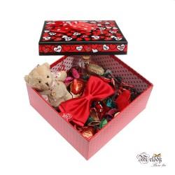 ست کادویی پاپیون قرمز براق همراه جعبه مربعی